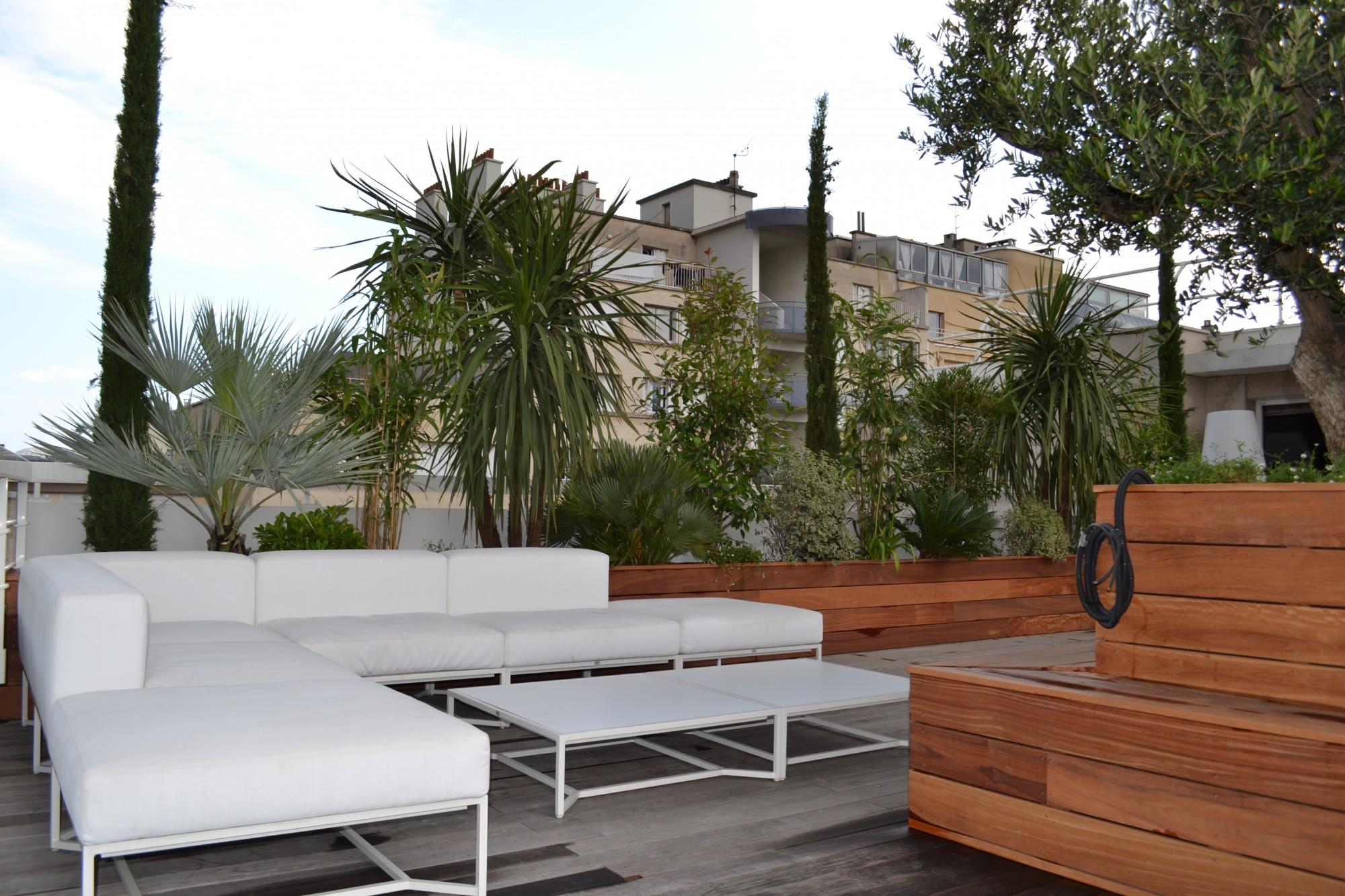 cr ation de jardini res en bois sur un toit terrasse vert tige. Black Bedroom Furniture Sets. Home Design Ideas