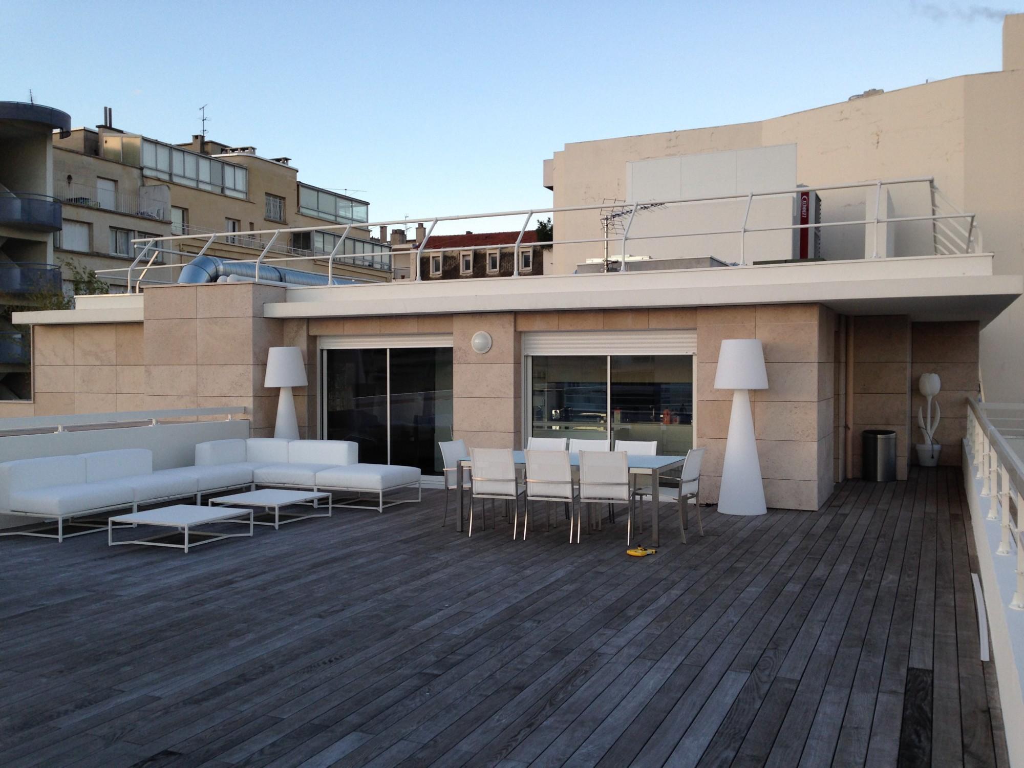 cr ation de jardini res en bois sur un toit terrasse