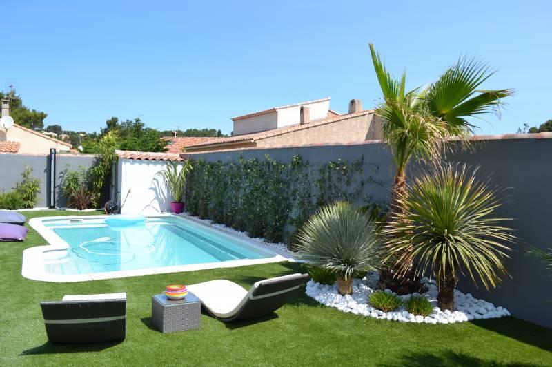 am nagement d 39 espace vert avec jeux pour enfants marseille saint barnab 13012 vert tige. Black Bedroom Furniture Sets. Home Design Ideas