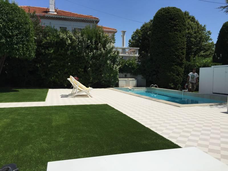 Am nagement jardins entretien espaces verts marseille for Entretien piscine marseille